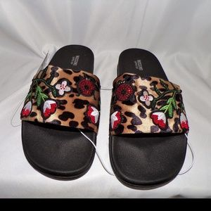 Mossimo Women's Size 8 1/2 Animal Print Shoes